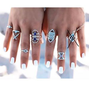 Jewelry - ✨Boho Silver 8pc Ring Set✨